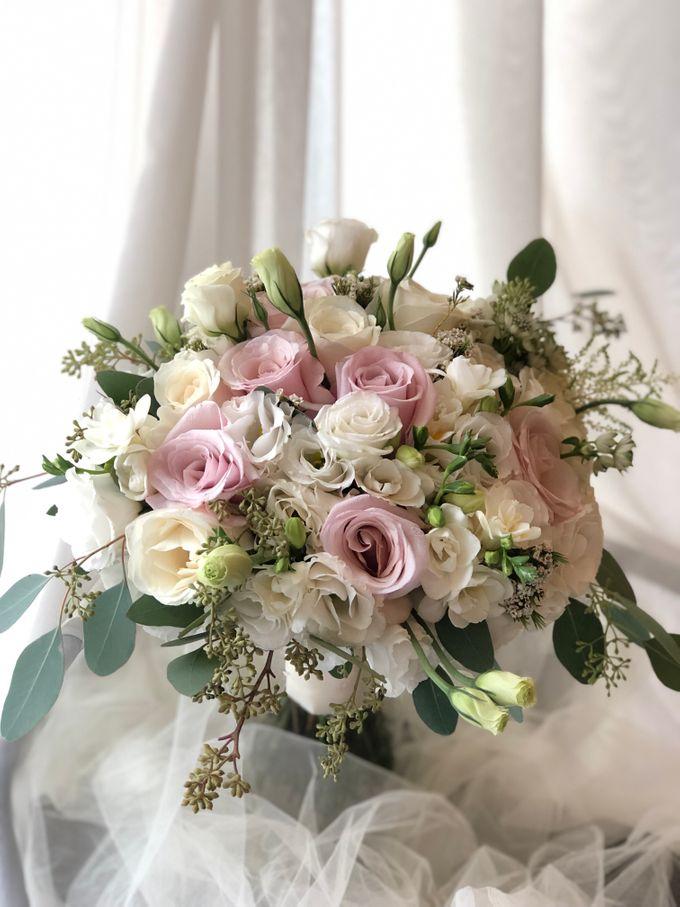 Bridal Rustic Hand Bouquet by De' Flower - 005
