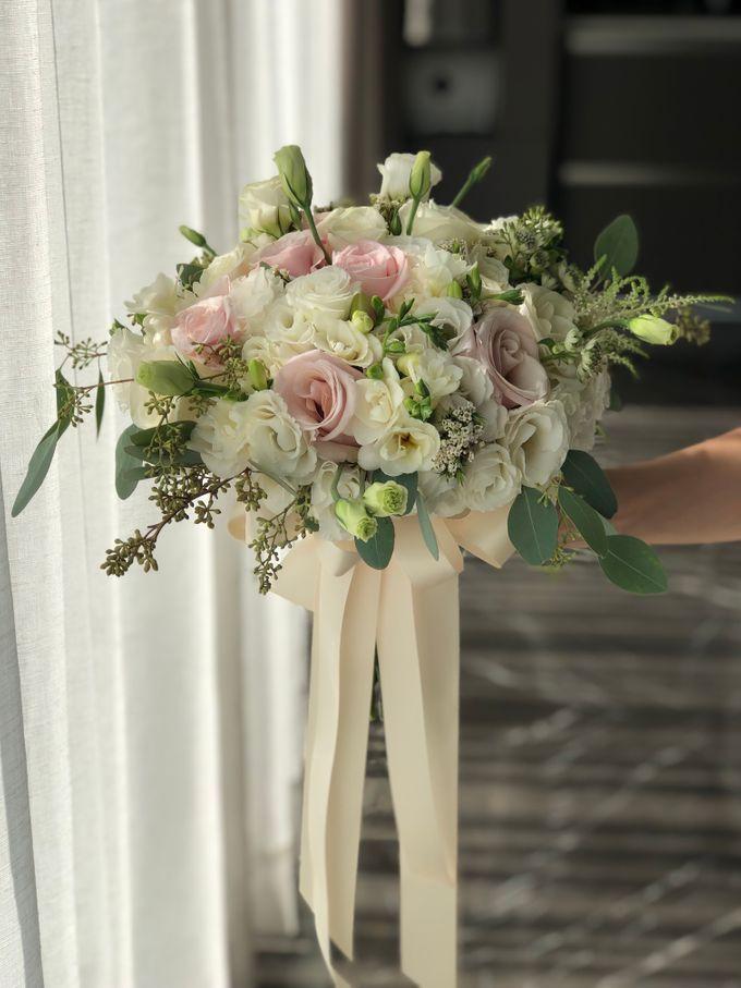 Bridal Rustic Hand Bouquet by De' Flower - 001