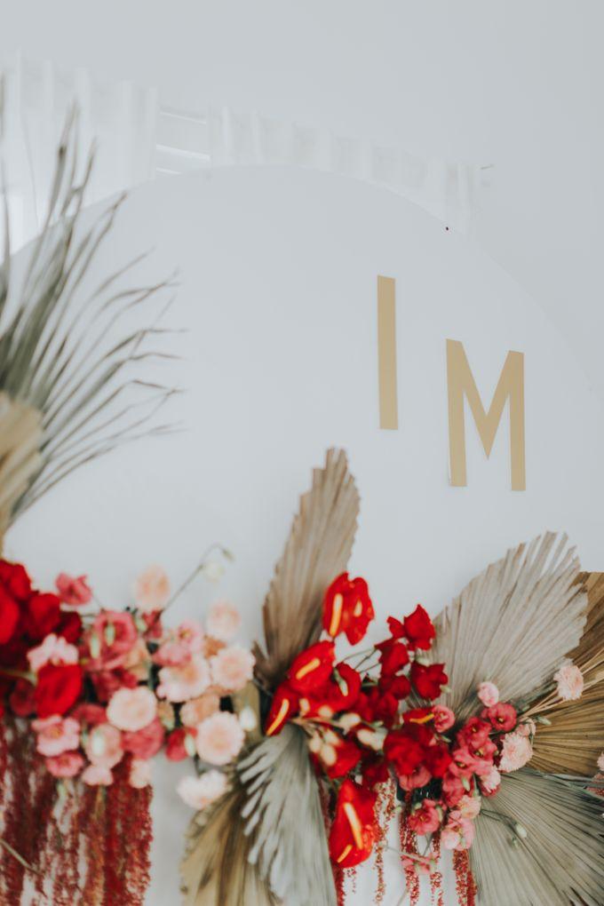 Indah Engagement Decor by Bloomette - 003