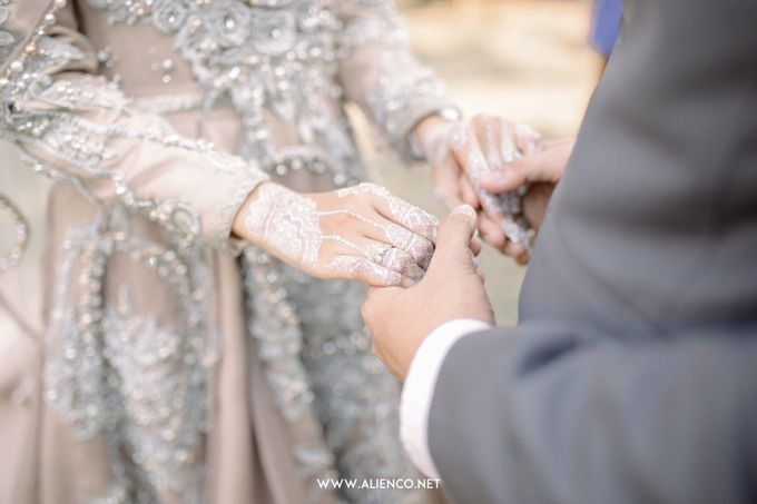 The Wedding Of Melly & Wisnu by alienco photography - 031