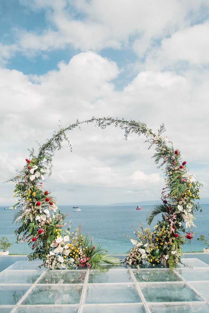 Tropical Lush Paradise Wedding at Amankila Villa, Bali by Silverdust Decoration - 008