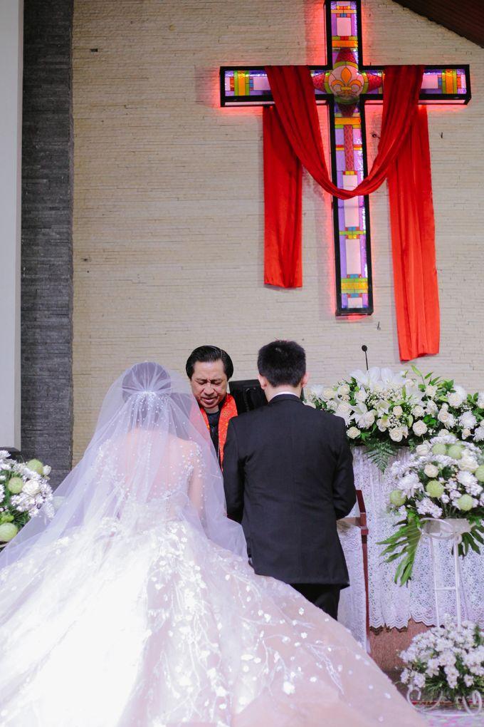 THE WEDDING OF DANIEL & NOVI by Alluvio - 009