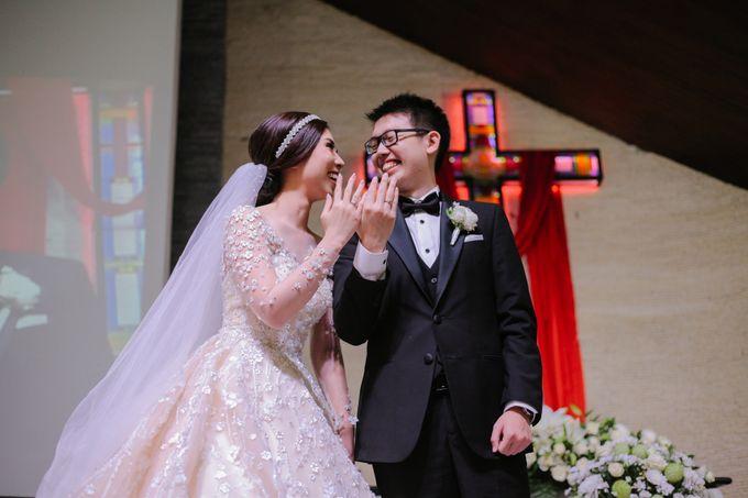 THE WEDDING OF DANIEL & NOVI by Alluvio - 010