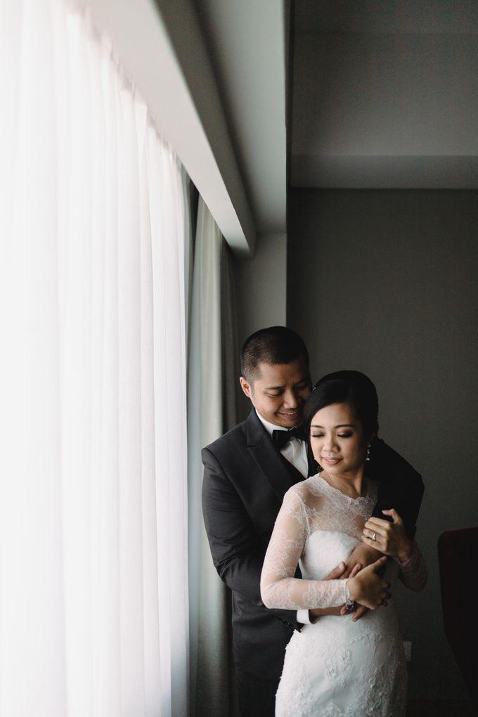 Sabar & Tiara Wedding Day by Nike Makeup & Hairdo - 016