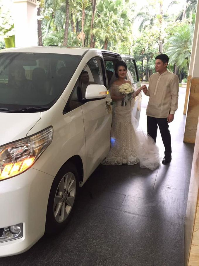 Wishing Chris & Dice a lifetime of love and happiness by sapphire wedding car - 001