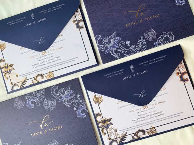 Blue Heritage by Trouvaille Invitation - 003