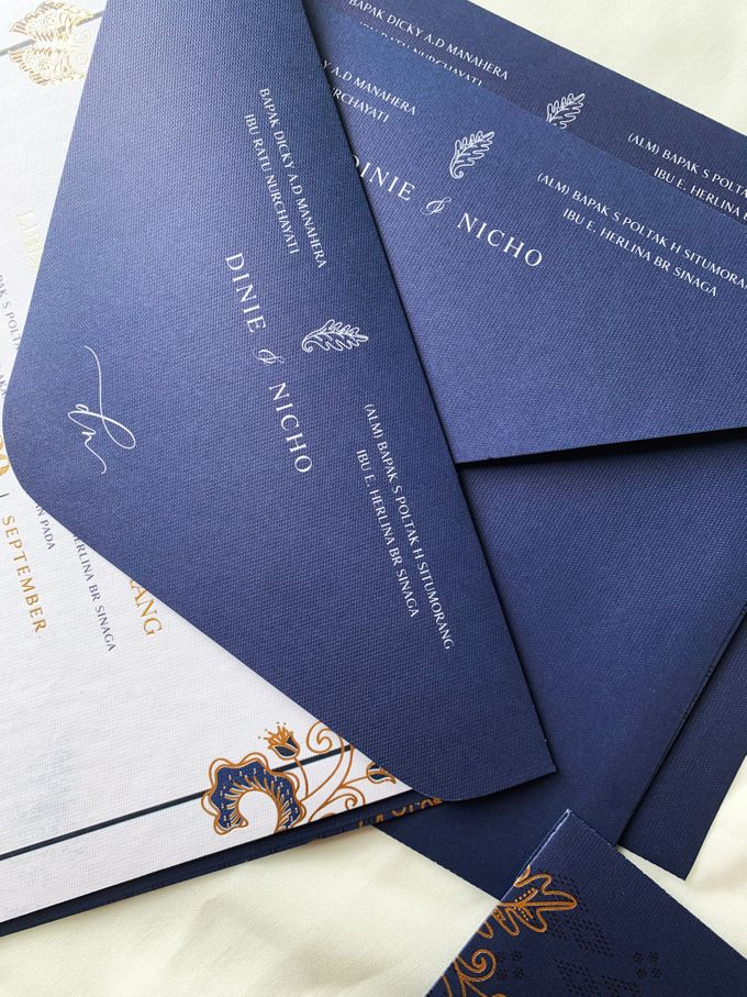 Blue Heritage by Trouvaille Invitation - 010