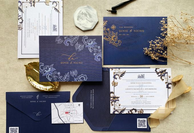 Blue Heritage by Trouvaille Invitation - 001