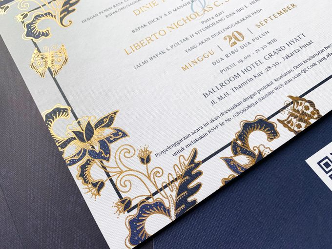 Blue Heritage by Trouvaille Invitation - 005