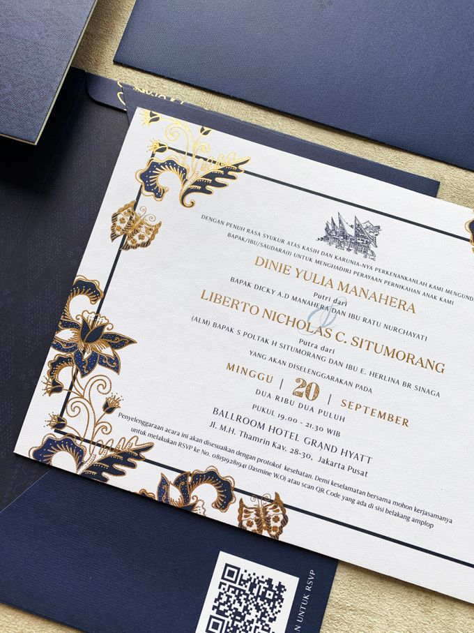 Blue Heritage by Trouvaille Invitation - 007