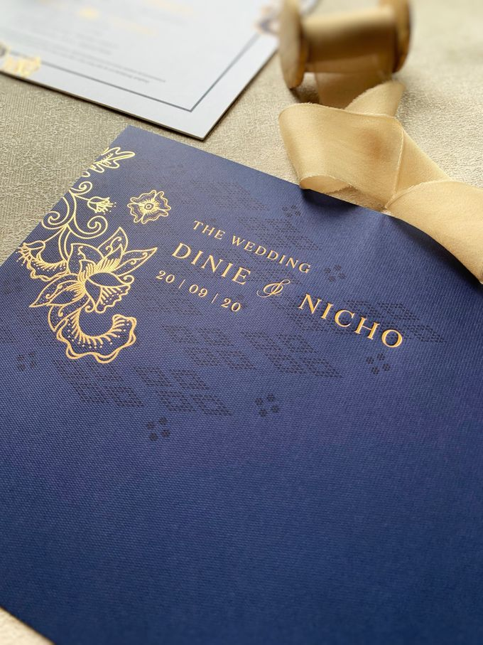Blue Heritage by Trouvaille Invitation - 008