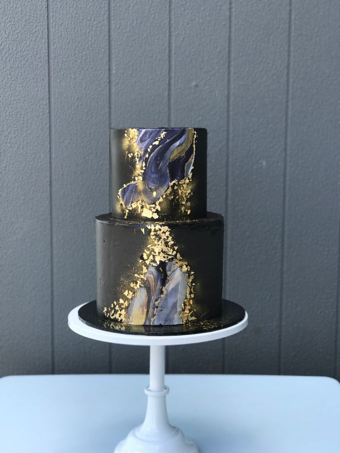 Wedding cake by Tell Cake Boutique - 003