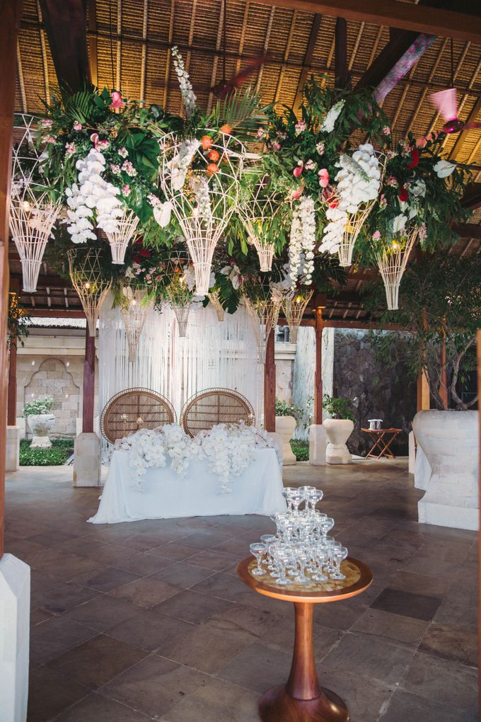 Tropical Lush Paradise Wedding at Amankila Villa, Bali by Silverdust Decoration - 032