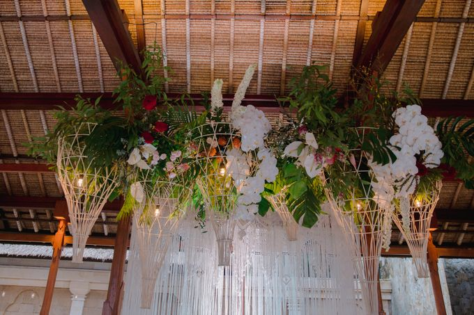 Tropical Lush Paradise Wedding at Amankila Villa, Bali by Silverdust Decoration - 027
