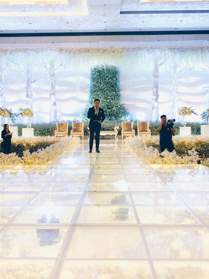 Trans Luxury Hotel - Bandung MC for Jessica & Anthony by Soko Wiyanto - 002