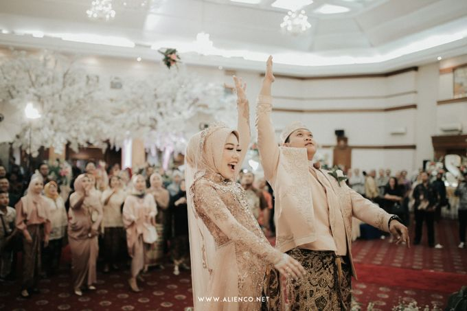 The Wedding Of Shella & Lutfi by alienco photography - 028