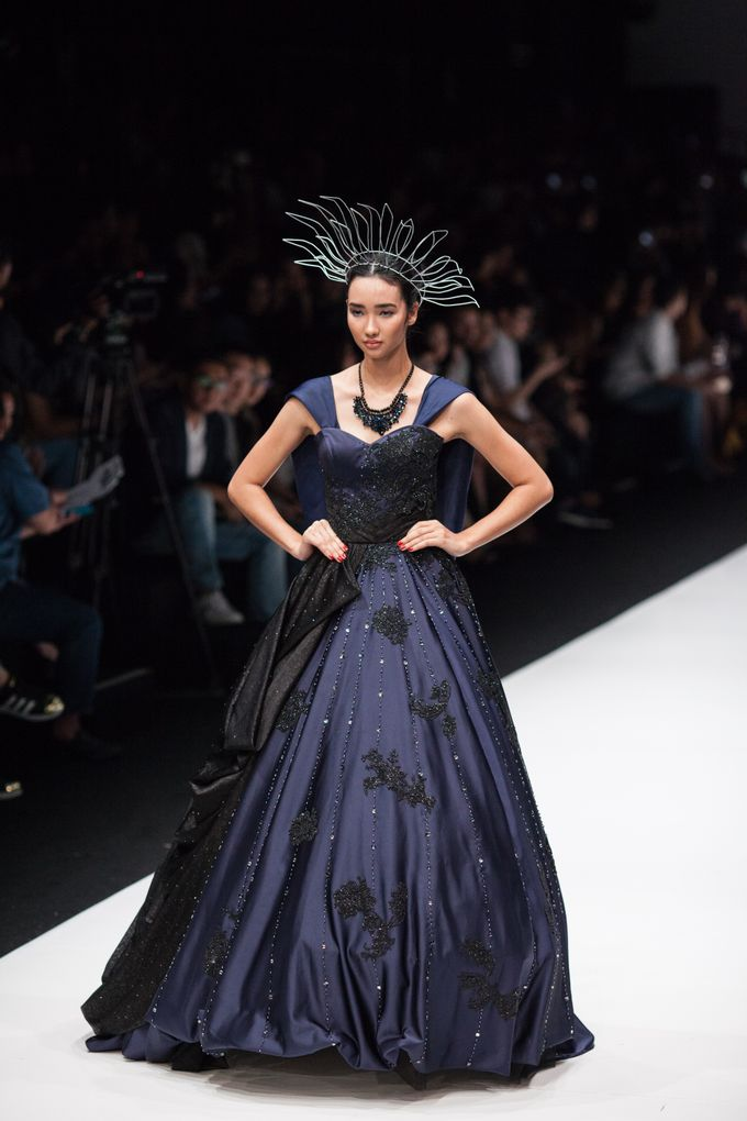 Jakarta Fashion Week 2018 by Esselia_Atelier - 003