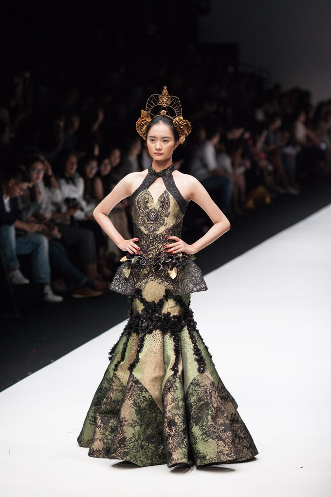 Jakarta Fashion Week 2018 by Esselia_Atelier - 002