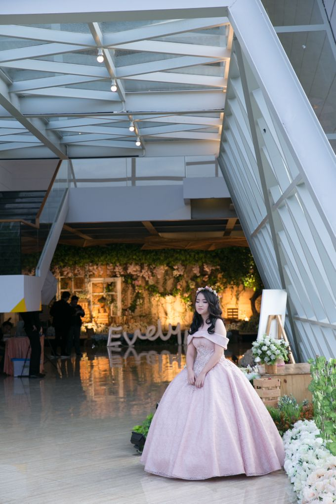 Sweet 17th Gown for Evelyn by Deasy Marlina - 001