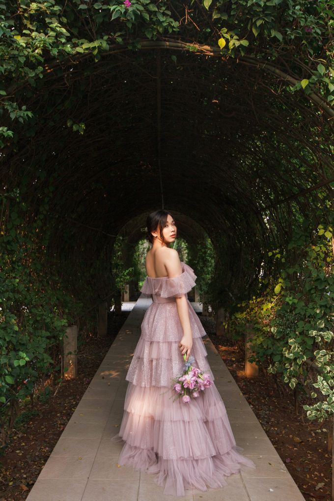 Prewedding of Nicholas and Cresentia by Esselia_Atelier - 001