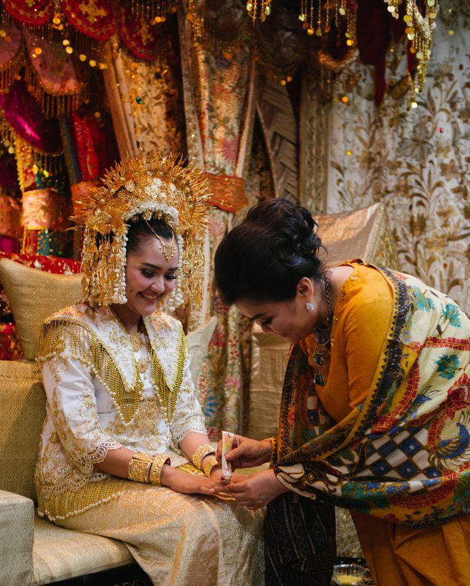 Mirna & Pras Wedding by Akuwedding - 006