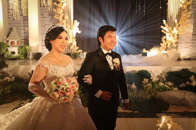 Julius & Tara Wedding by Photobooth Eternal - 004