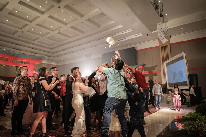 Julius & Tara Wedding by Photobooth Eternal - 007
