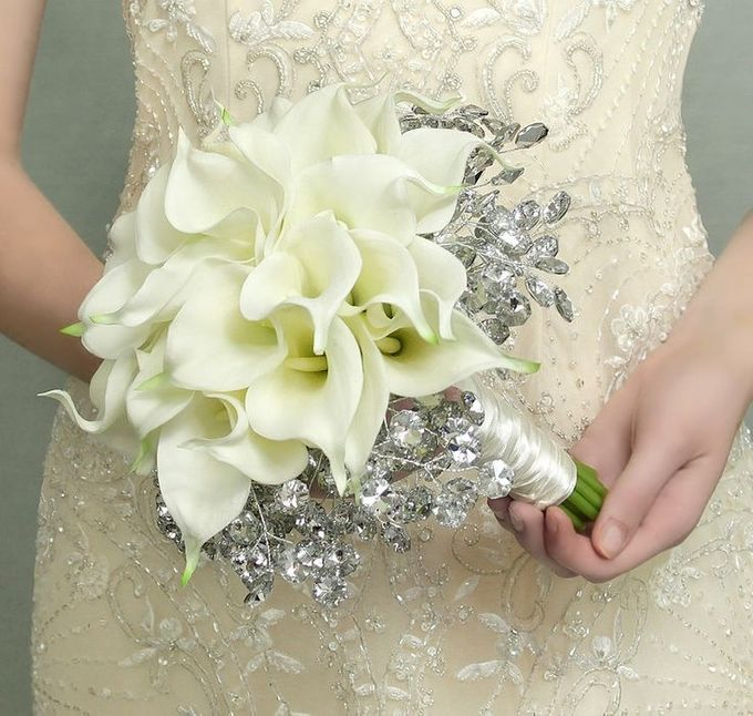 Custom Hand Bouquet by The Bride and Butter - 001