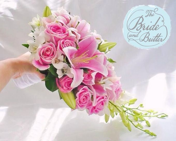 Custom Hand Bouquet by The Bride and Butter - 002
