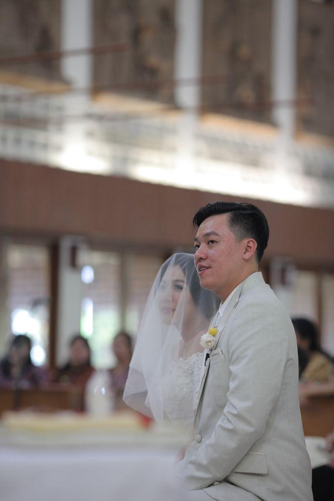 Sunlake Hotel - Yustomo & Errita Wedding by Impressions Wedding Organizer - 008