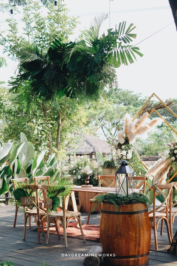 The Wedding of Widya & Yudi by Daydreaming Works - 005