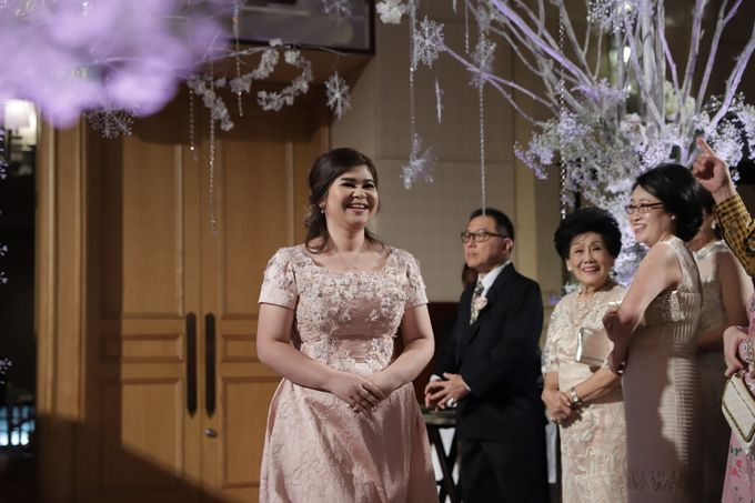 Family Dresses For Engagement & Wedding Of Citro & Bragita by Eliana Andrea - 006