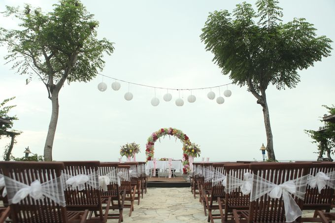 Tropical Simple Wedding Setup by Sudamala Resorts - 001