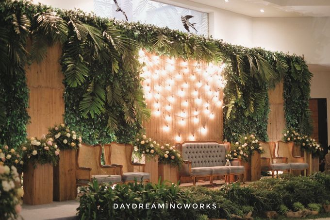 The Wedding of Widya & Yudi by Daydreaming Works - 004