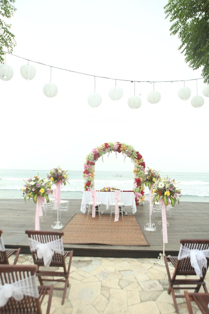 Tropical Simple Wedding Setup by Sudamala Resorts - 002