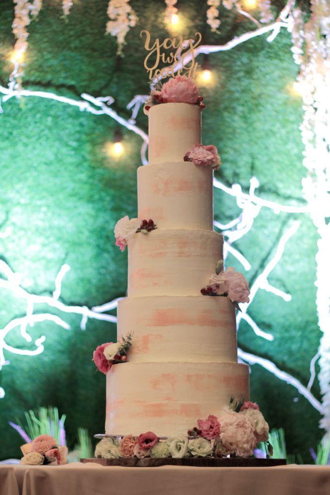 Wedding Cake - Indra & Livia by Lareia Cake & Co. - 001