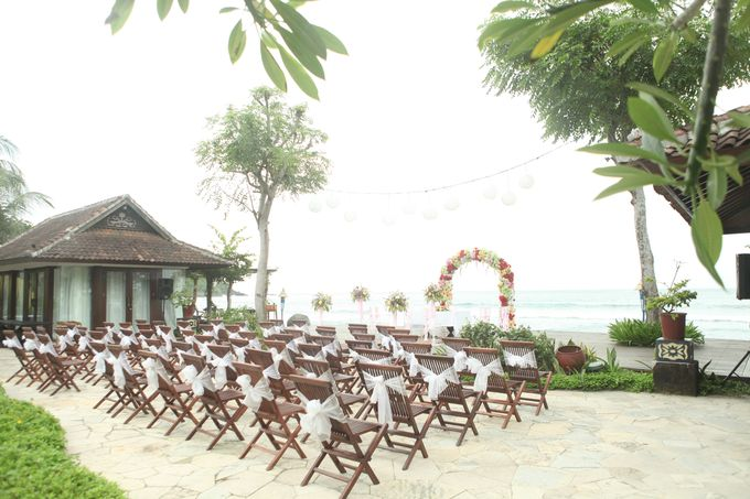Tropical Simple Wedding Setup by Sudamala Resorts - 003