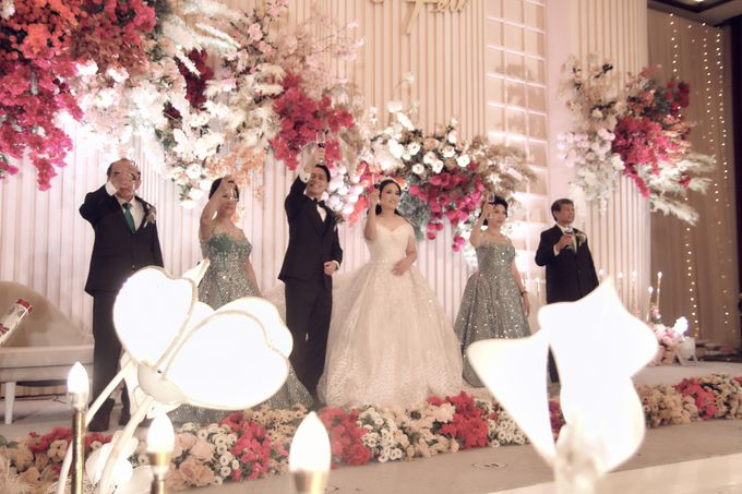 A Royal Wedding of dr. Erwin & dr. Feti by Khayim Beshafa One Stop Wedding - 016