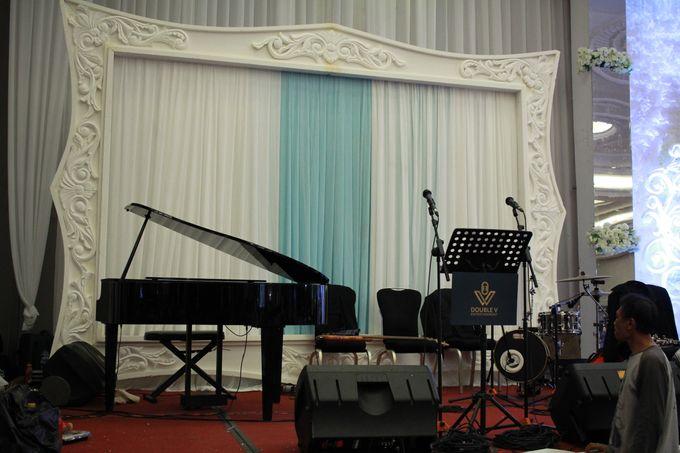 Jazz Wedding Entertainment Merlyn Park Hotel Jakarta - Double V entertainment by FOREVER CAKE - 006