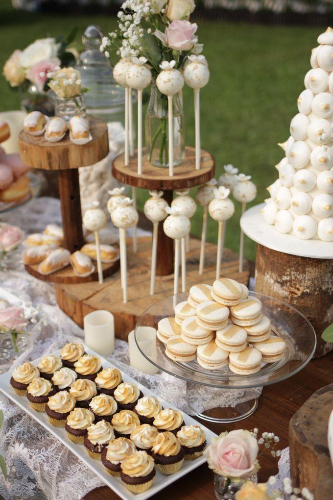 Rustic Dessert Table by Gordon Blue Cake - 017