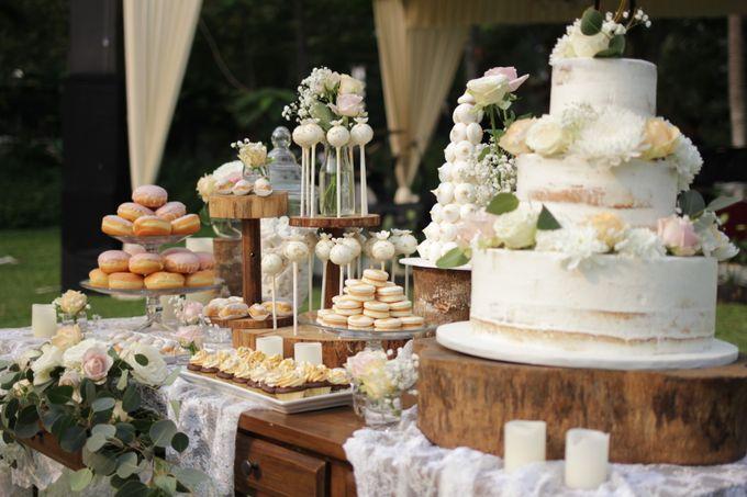 Rustic Dessert Table by Gordon Blue Cake - 018