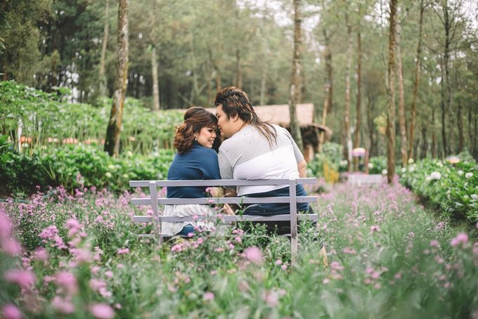 Prewedding Anton & Lina by Cheers Photography - 014