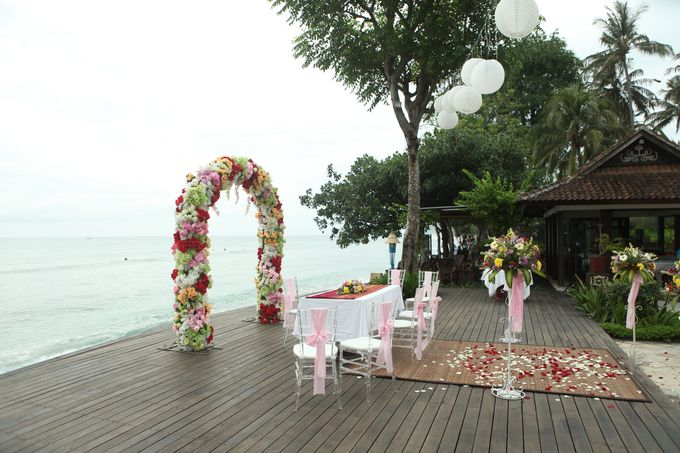 Tropical Simple Wedding Setup by Sudamala Resorts - 004