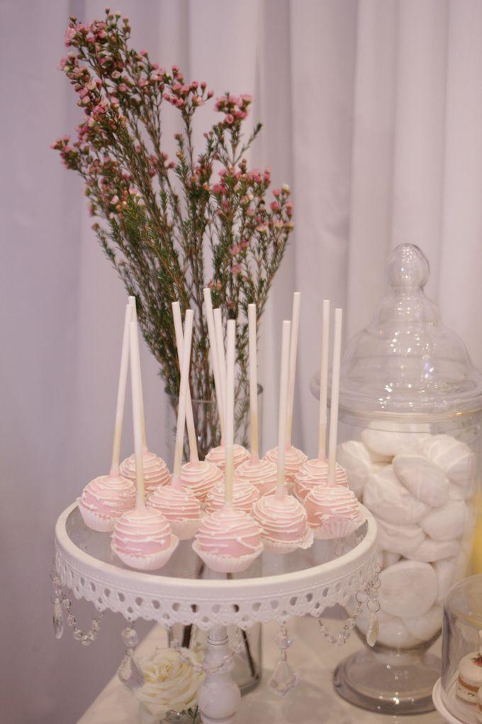 Romantic Dessert Table by Gordon Blue Cake - 010