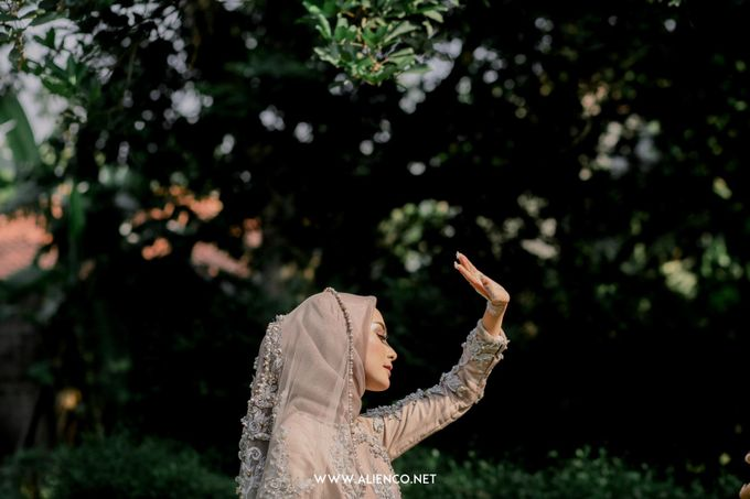 The Wedding Of Melly & Wisnu by alienco photography - 042
