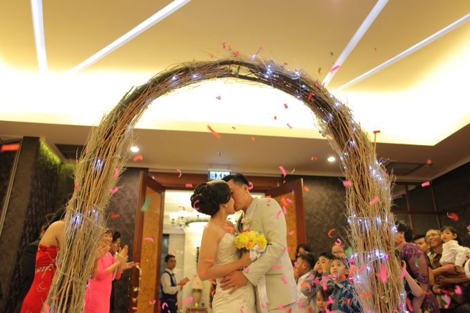 Sunlake Hotel - Yustomo & Errita Wedding by Impressions Wedding Organizer - 011
