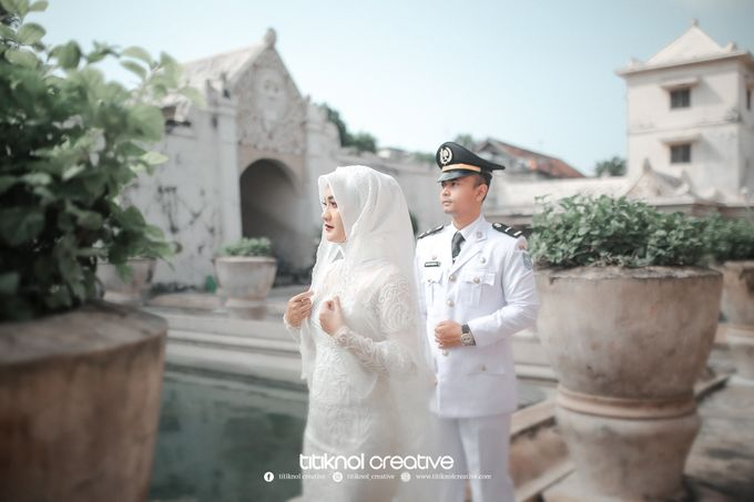 Prewedding Siska + Yuris by Titiknol Creative - 002