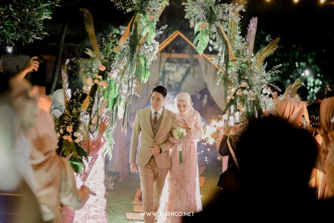 The Wedding Of Melly & Wisnu by alienco photography - 046