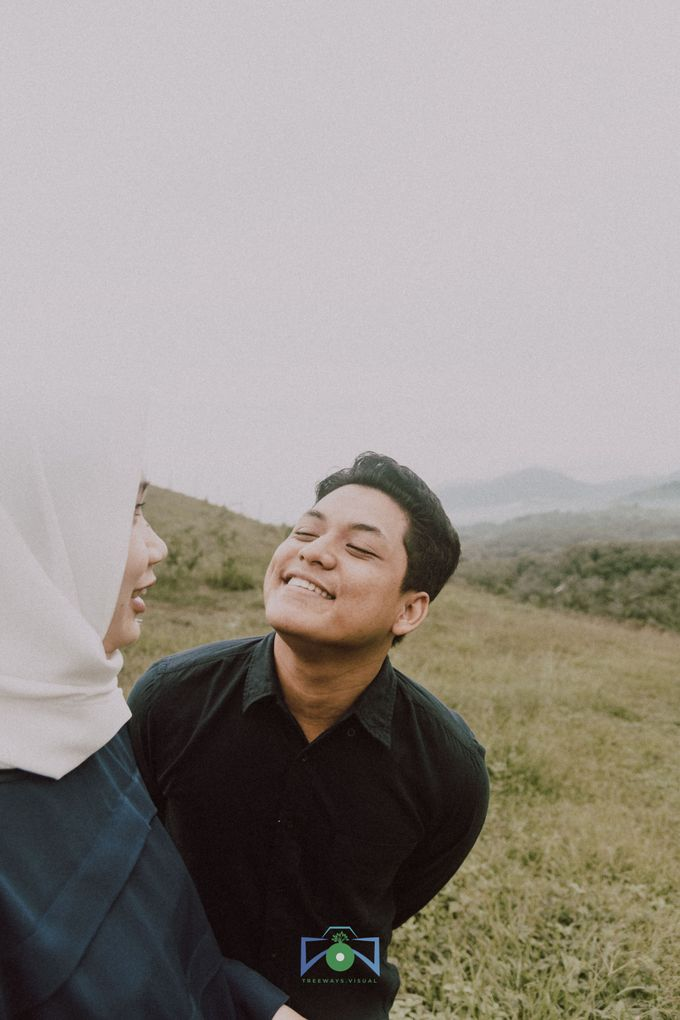 Bayu & Dyni Post-Wedding by treeways.visual - 001