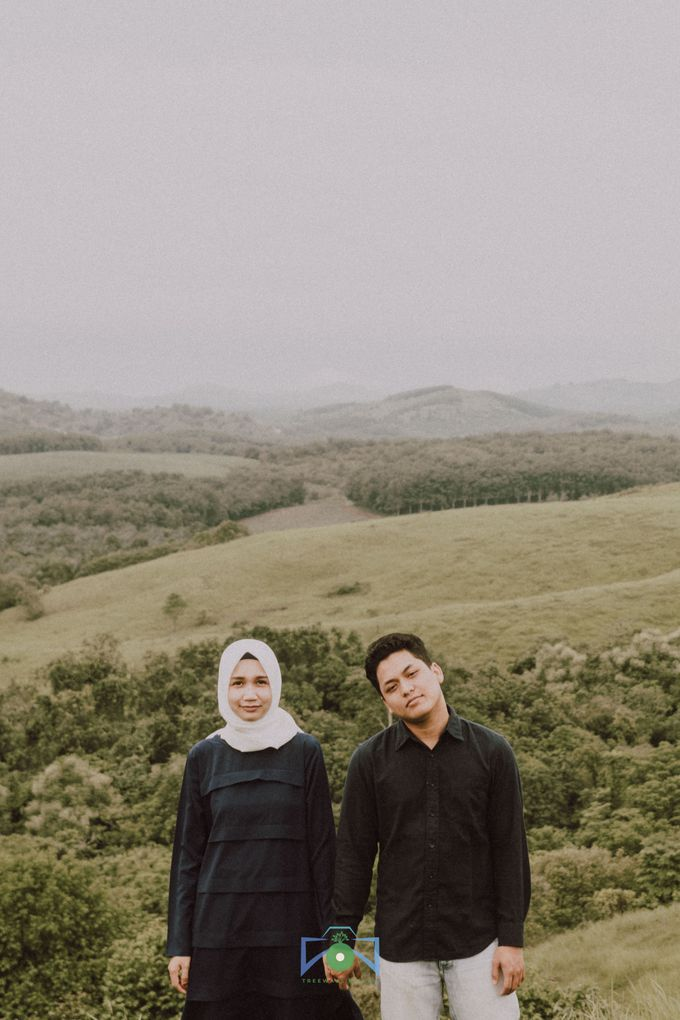 Bayu & Dyni Post-Wedding by treeways.visual - 002